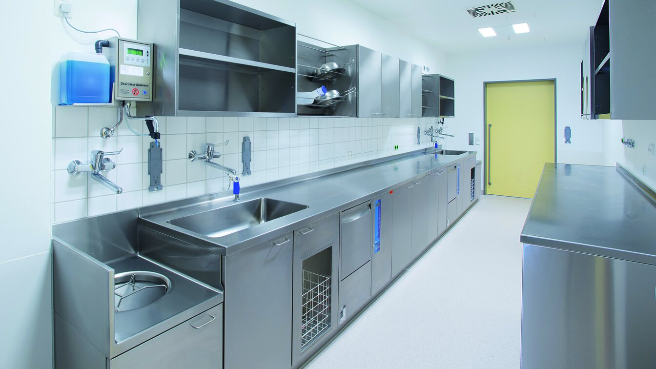 Cleaning, disinfection and diswashing systems for hospitals - MEIKO